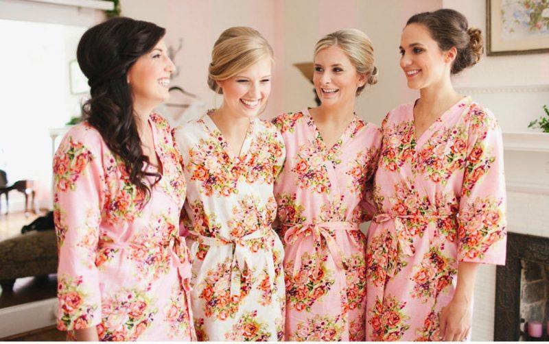 Bridesmaids robes Sets Pink Floral Posy Kimonos. Dressing image 0